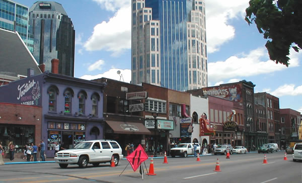 Broadway bars in downtown Nashville